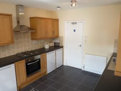 Room in a shared house, Town Centre, Chequer Rd