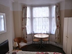 Room in a shared house, Town Centre, Ravensworth Road